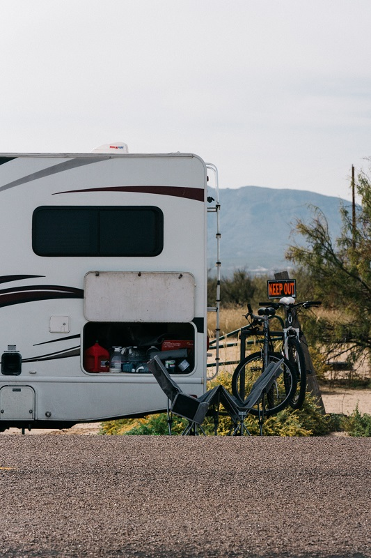 EXPERT'S GUIDE TO RV BATTERIES